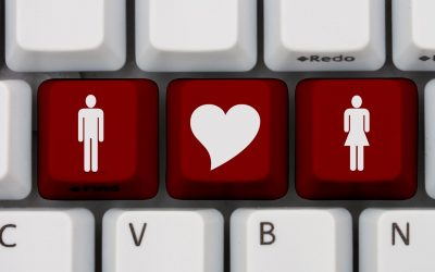 Signs your Spouse may be cheating online